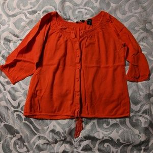 3/4 sleeve tie front blouse
